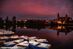 botes y catedrales rojo