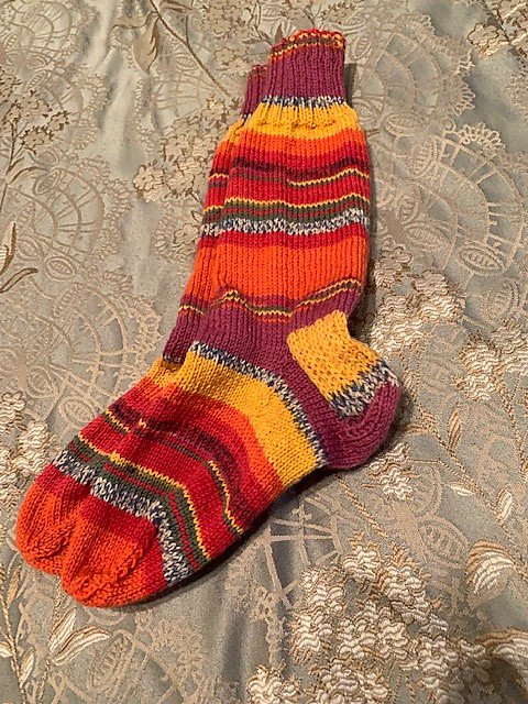 A new pair of socks knit by Connie (maltesecross) for her sister Carmen!
