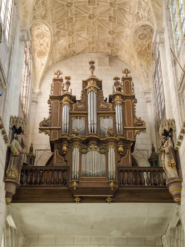 Orgue de tribune de l'église Saint-Jean
