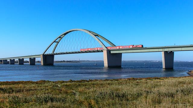 Strand-Express auf der Fehmarnsundbrücke