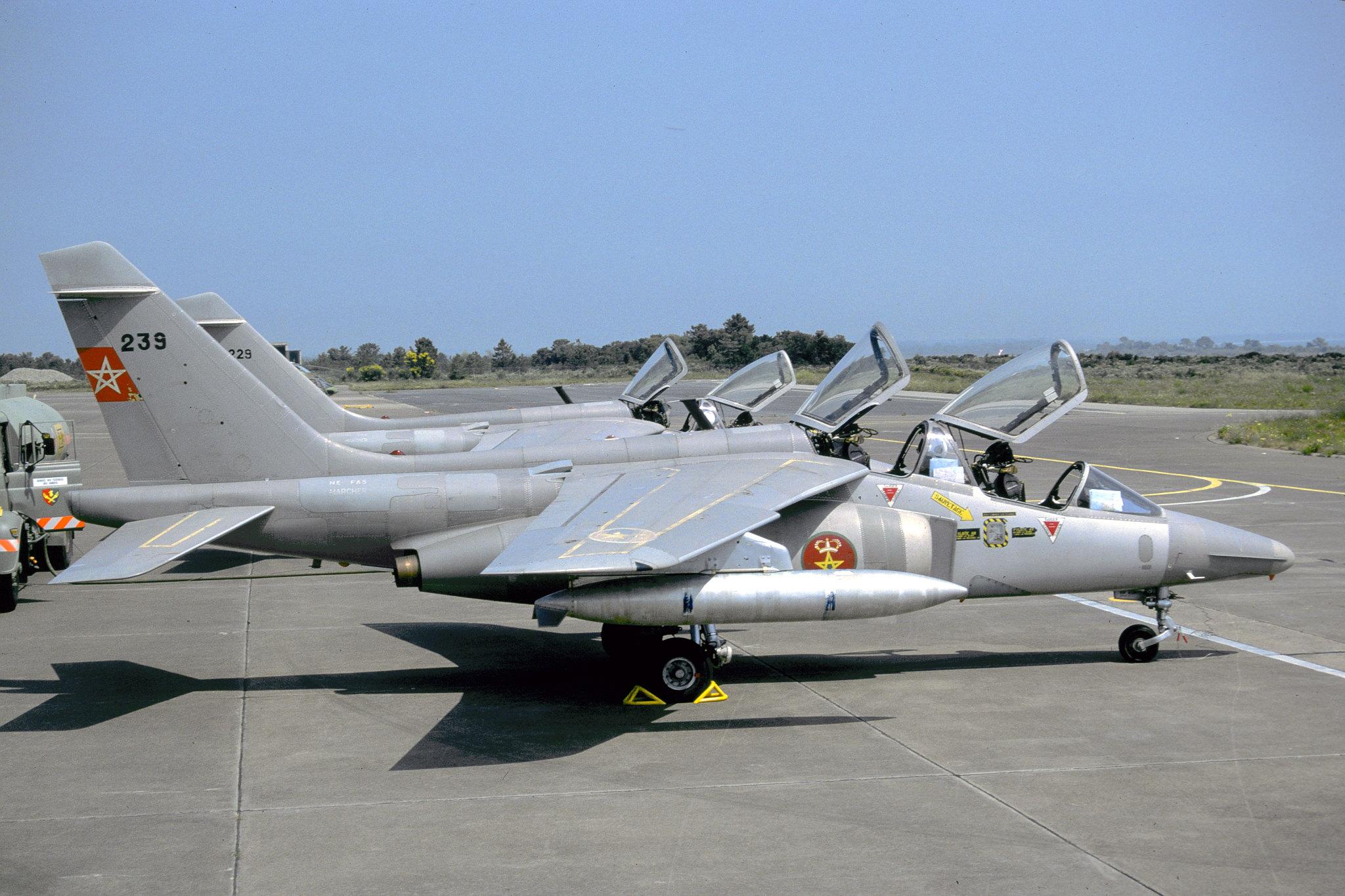 FRA: Photos avions d'entrainement et anti insurrection - Page 9 48921135678_8b4b0b8b9c_k