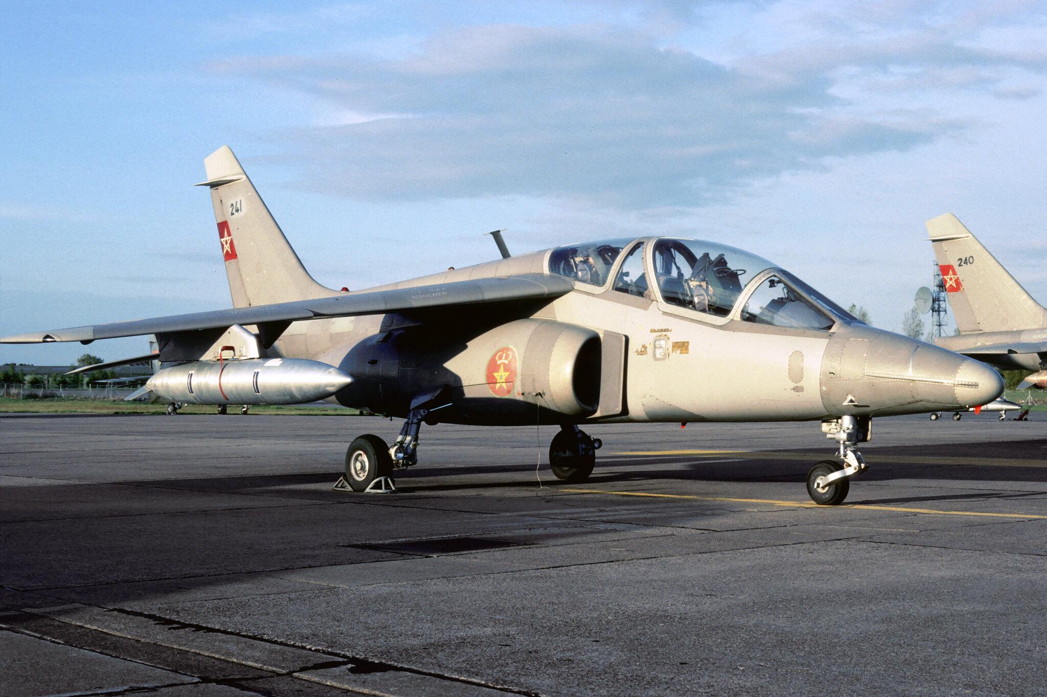 FRA: Photos avions d'entrainement et anti insurrection - Page 9 48921670451_28126803b1_k