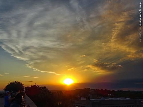 kc kcmo kansascity kansascitymo kansascitymissouri missouri 2019june june2019 evening sunset sun sunsetting cloud clouds libertymemorial color colour colors colours usa