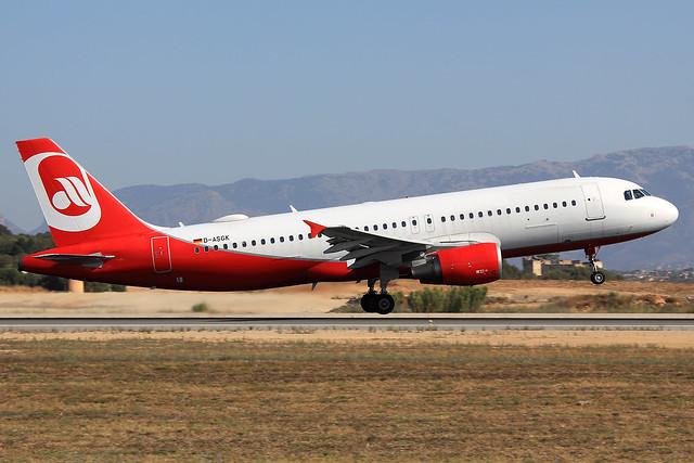 Sundair  Airbus A320-214 D-ASGK