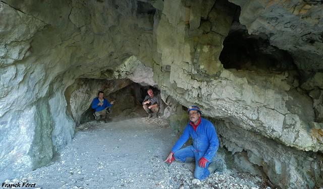 Daniel,  Dom et Moi dans la Grotte de la Cage au lit - Renedale - Vallée de la Loue