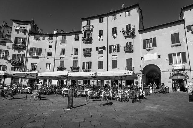 Lucca /Toskana (Piazza dell'Anfiteatro)