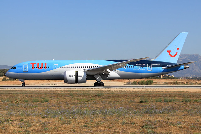 TUI Airways  Boeing 787-8 Dreamliner G-TUIC
