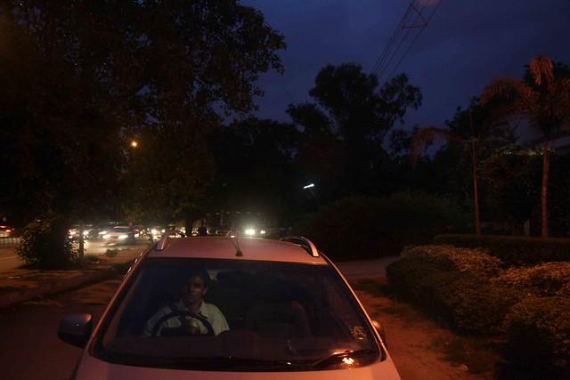 Delhi's Bandaged Heart - Jaideep Warya , Aurobindo Marg