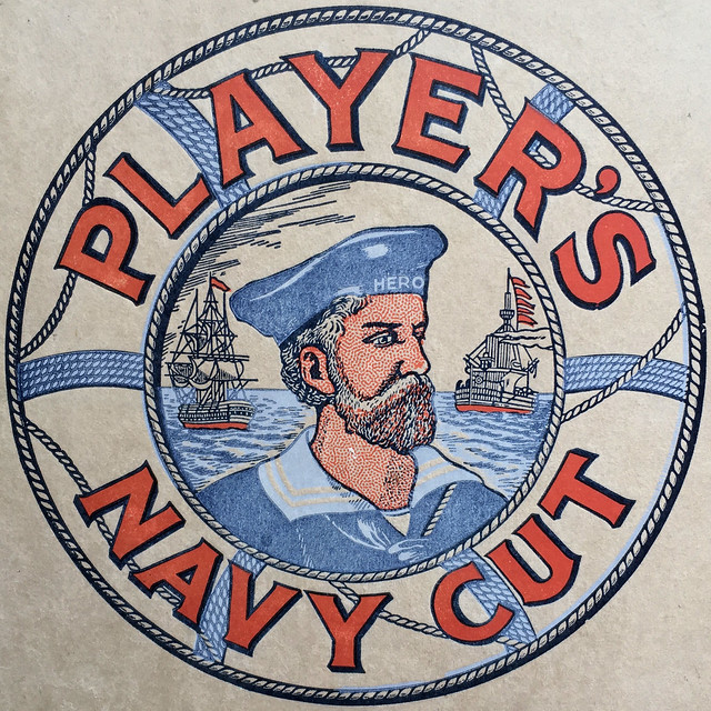 PLAYER'S NAVY CUT