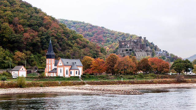 Castles and Churches along the Rhine _8463