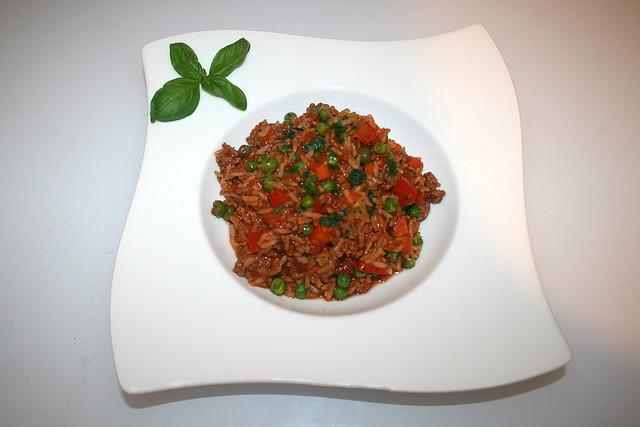 25 - Rice pot bolognese - Served / Bolognese-Reistopf - Serviert