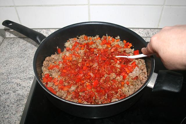 14 - Tomatenmark andünsten / Braise tomato puree