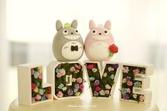 Handmade Totoro トトロ bride and groom MochiEgg wedding cake topper, custom characters wedding cake decoration ideas