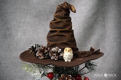 Christmas tree top hat.