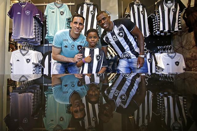 Lançamento do novo uniforme do Botafogo/Kappa - 19/10/2019