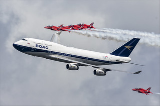 Boeing 747-436 and Red Arrows - 03