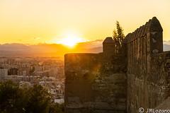 se pone el sol entre las murallas