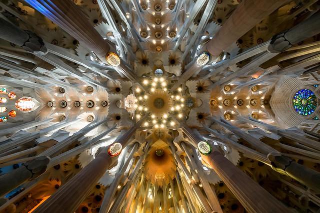 Sagrada-Familia - vers le haut III