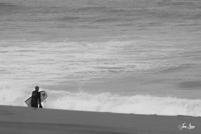 No se puede atravesar el mar simplemente mirando el agua.