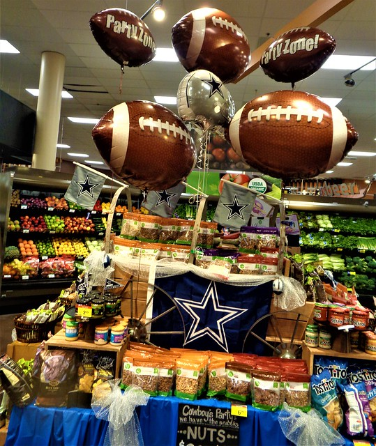 DALLAS COWBOY NUTS