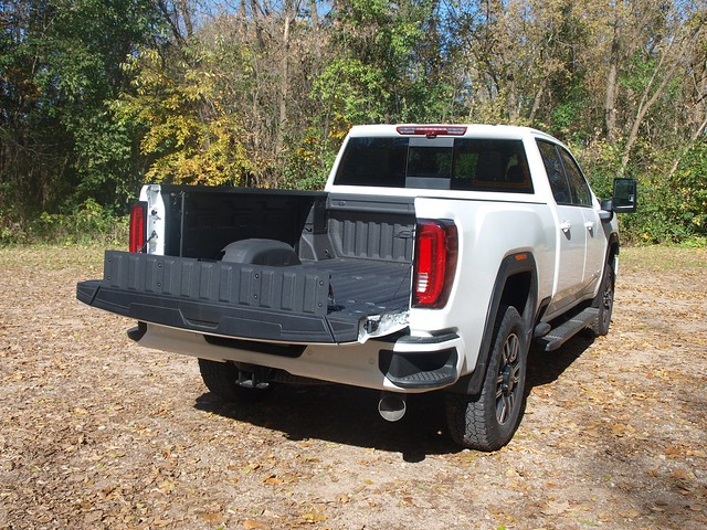 2020 GMC Sierra 2500HD Crew Cab 4WD AT4
