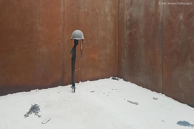 Amerikkalaisen hautausmaan vierailukeskuksessa Omaha Beachillä