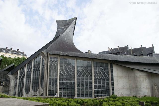 Kirkko Rouenin torilla