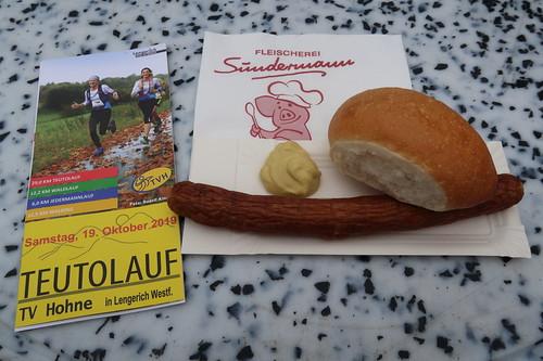 Bratwurst (beim Teutolauf 2019)