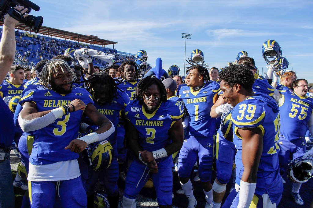 Blue Hens rush to victory against Wildcats 16-10
