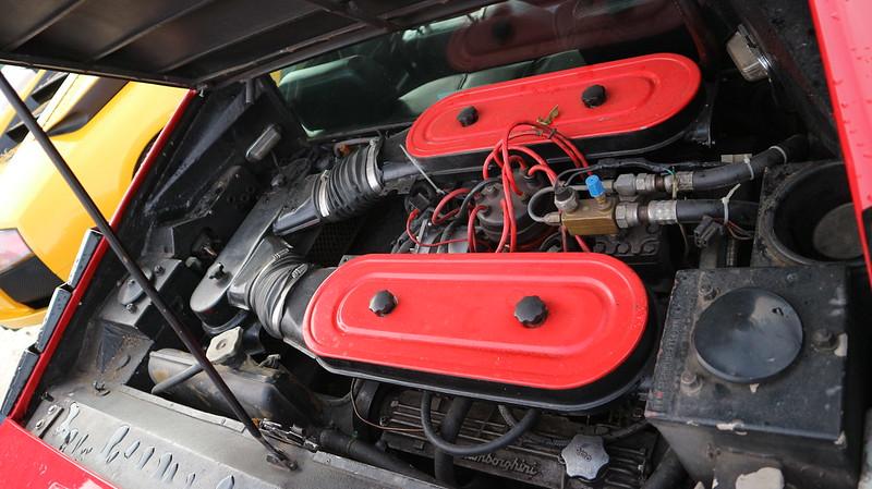 Lamborghini Urraco P 250 Bertone V8/2,5 litres  48925746867_2df03a813f_c