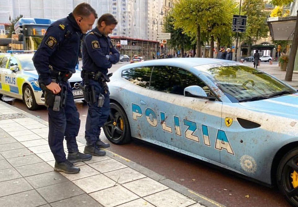 68f4d685-ferrari-ff-polizia-4