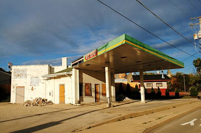 Closed Gas Depot - Woodstock, Illinois