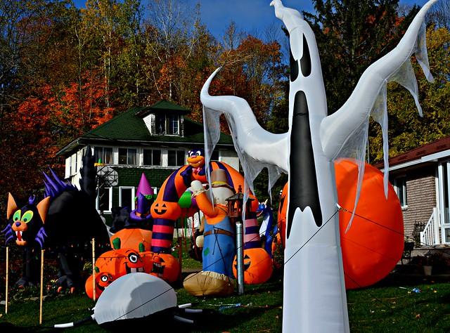 Halloween Display, Taylor Lane, Campbellford, ON