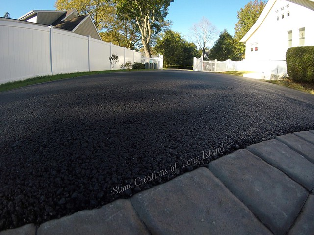 Asphalt Driveway with Cambridge Paver Borders and Apron, Brightwaters, NY 11718