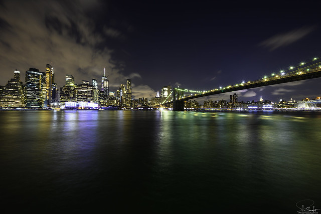 Manhatten Skyline and Brooklyn Bridge - Brooklyn - USA