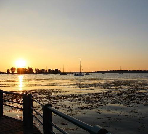 muskegonlake lakes sunsets sailboats latesummer muskegon mi michigan heritagelanding duskthetwilightzone twilightzone