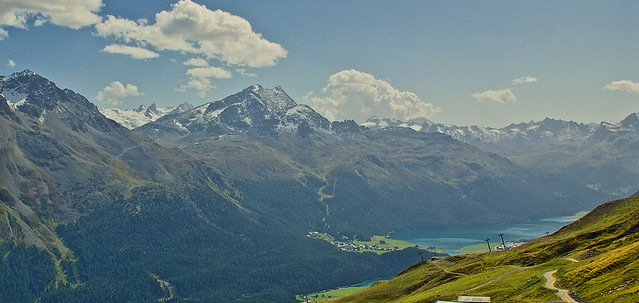 The Swiss speciality - lakes, mountains and hiking