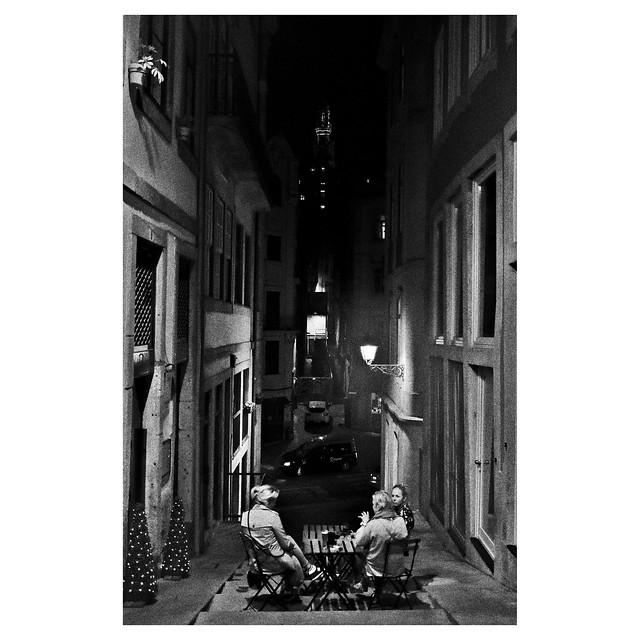 Night chat in Porto