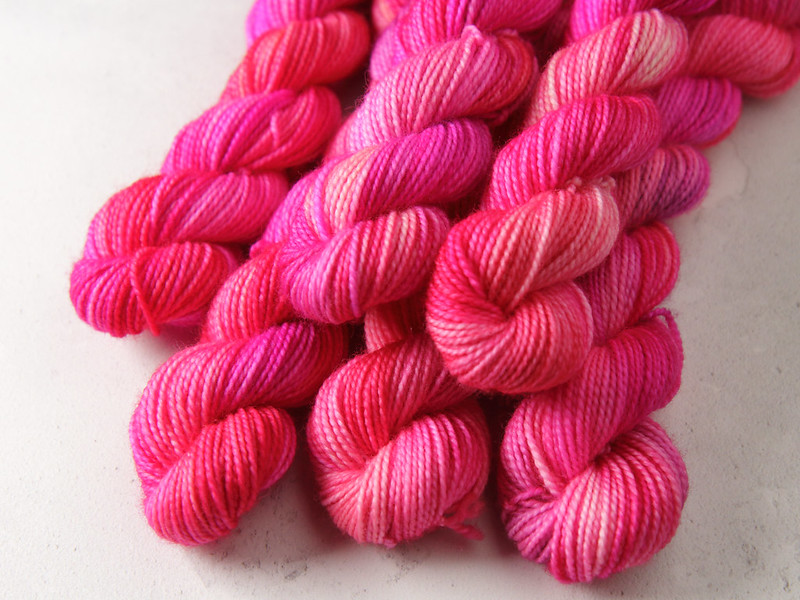 Yarn Advent Calendar day 16: Faded Neon