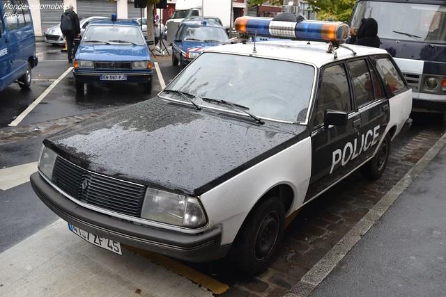 Renault 18 Break Police