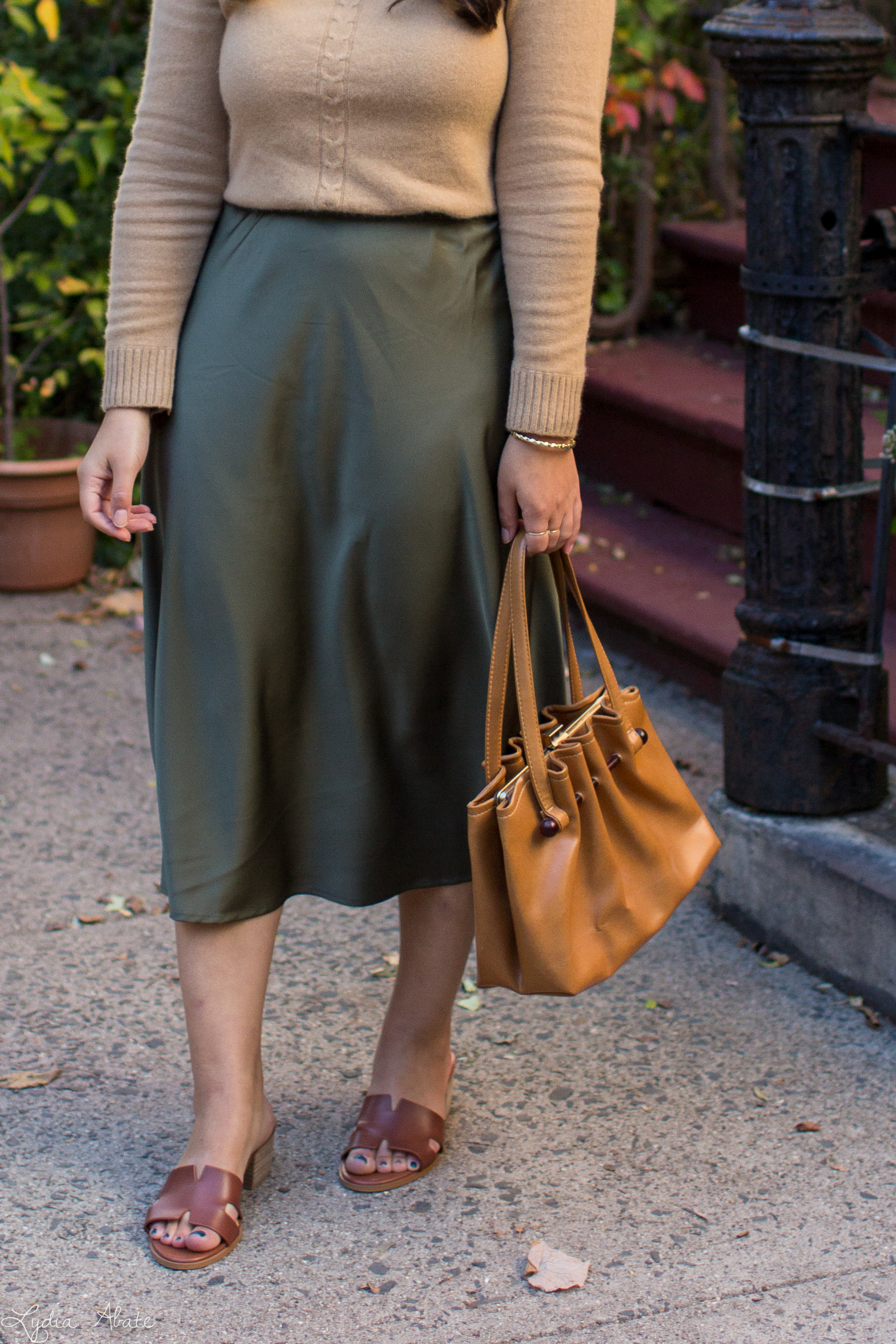 camel sweater, olive green midi skirt, brown sandals, vintage bag-11.jpg