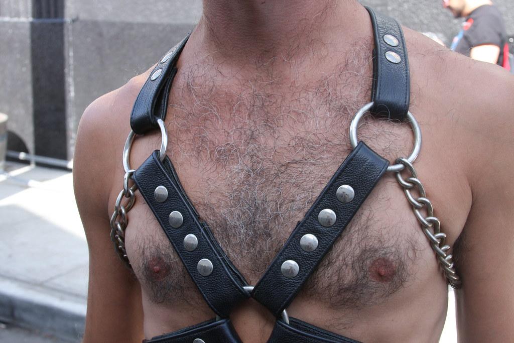 DAMN CUTE & SEXY HAIRY LEATHER MAN ! ~ FOLSOM STREET FAIR 2019 ! ( safe photo )