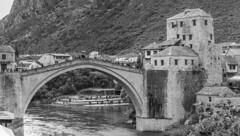 Puente de Mostar en blanco y negro