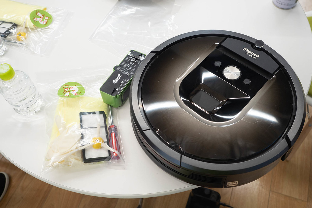 Roomba_maintenance-3