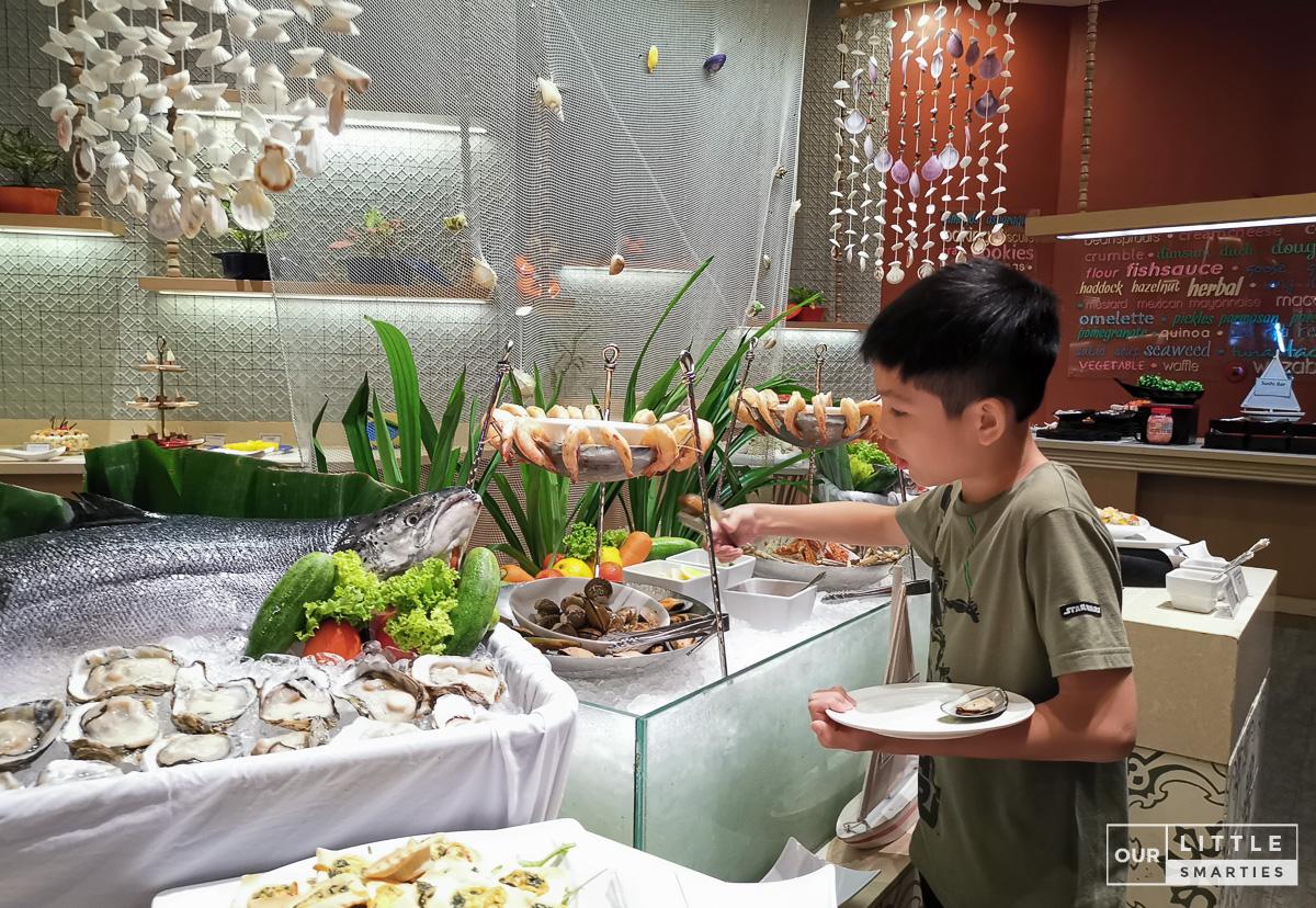 Holiday Inn Resort Phuket Sea Breeze Cafe