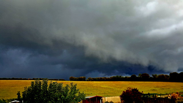 Shelf Cloud from Oxfordshire 18/10/19