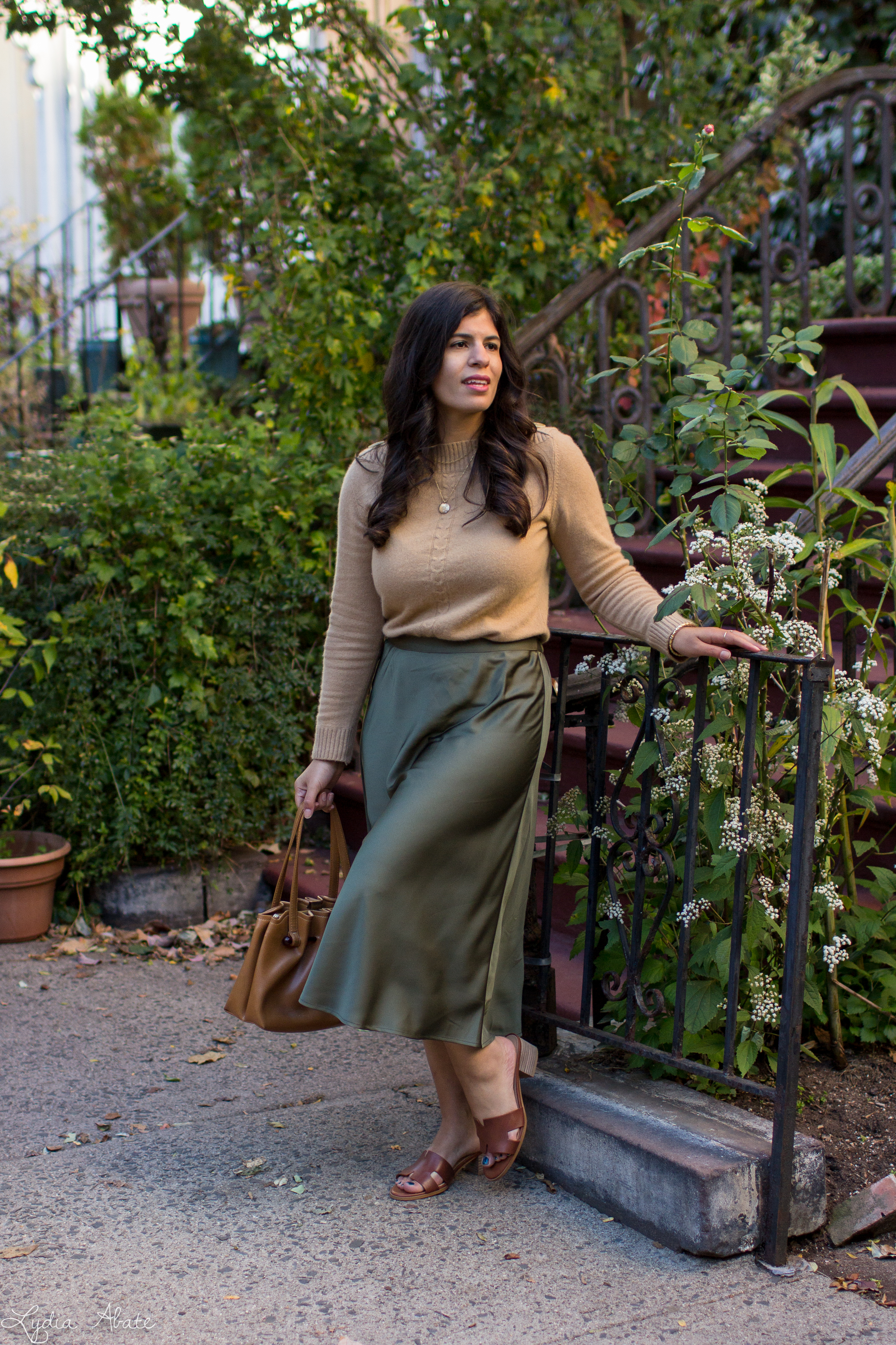 camel sweater, olive green midi skirt, brown sandals, vintage bag-12.jpg