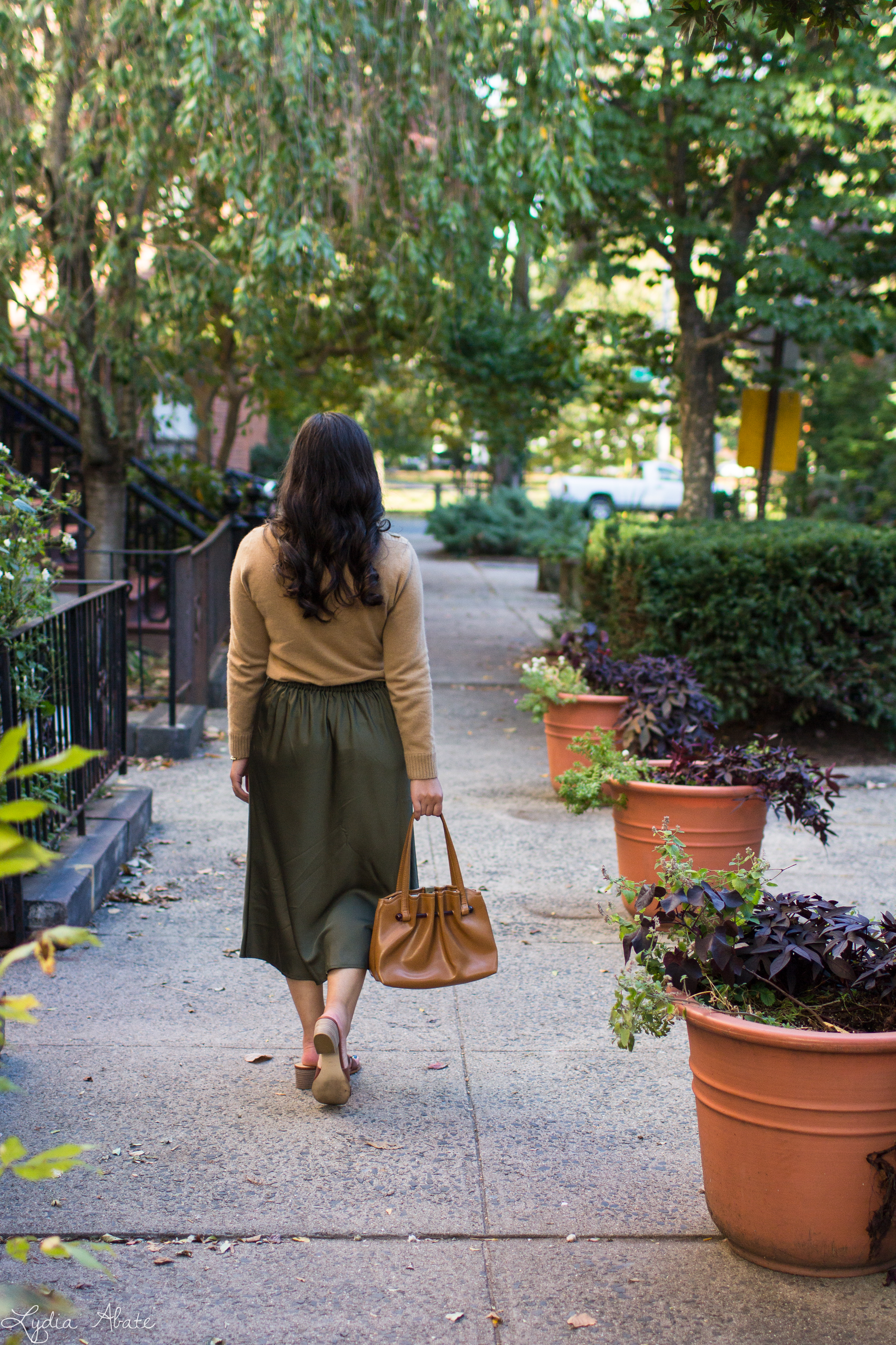 camel sweater, olive green midi skirt, brown sandals, vintage bag-16.jpg