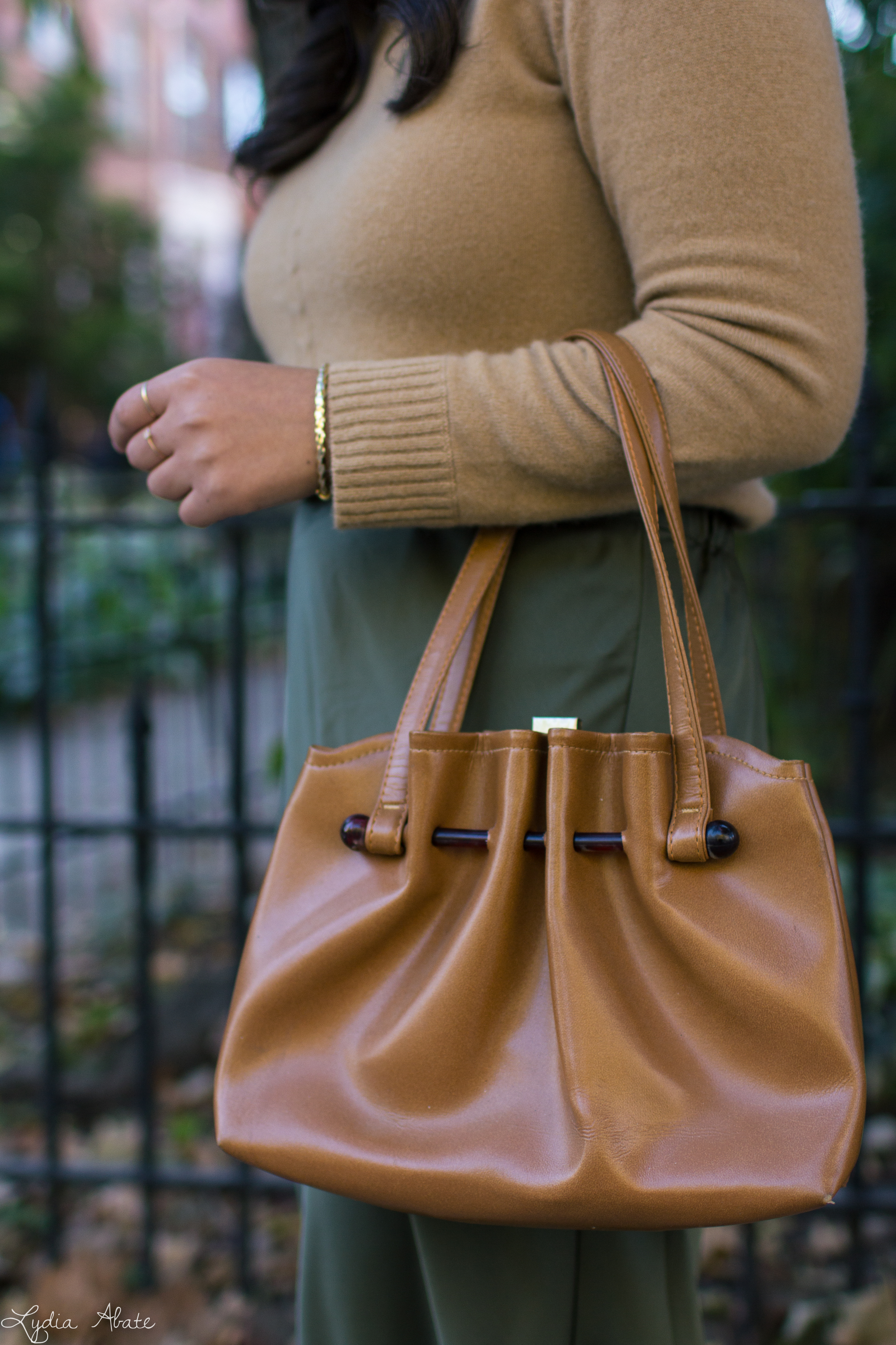 camel sweater, olive green midi skirt, brown sandals, vintage bag-17.jpg