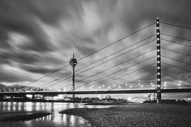 It's water under the bridge~ Düsseldorf